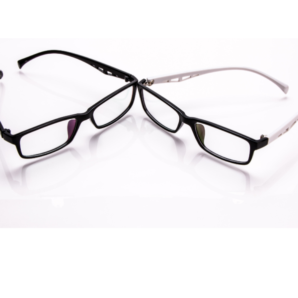 What Is Pantoscopic Tilt & The Need For It In Eyeglasses?