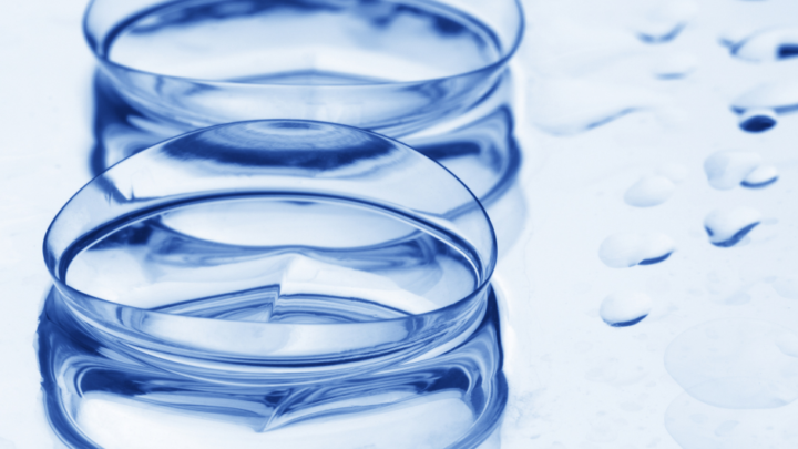 Difference Between Bifocal Contact Lenses and Monovision Contact Lens Wear